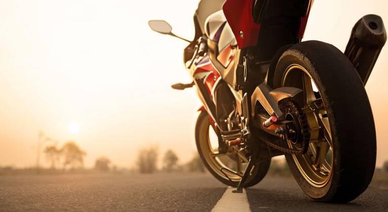 Rękawice motocyklowe- czym powinny się wyróżniać?